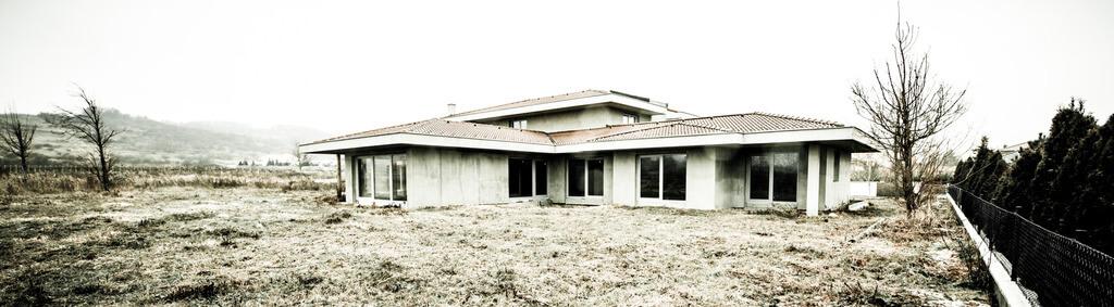 Predané: Rozostavaná luxusná vila na konci Limbachu-34