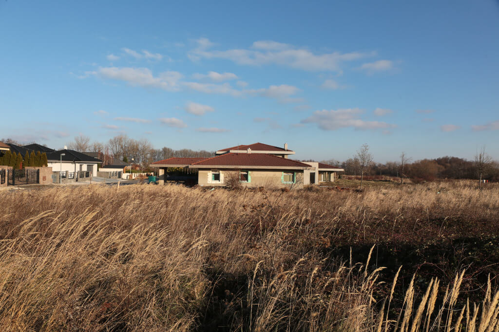 Predané: Rozostavaná luxusná vila na konci Limbachu-26