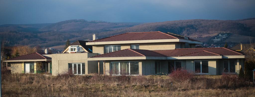 Predané: Rozostavaná luxusná vila na konci Limbachu-16