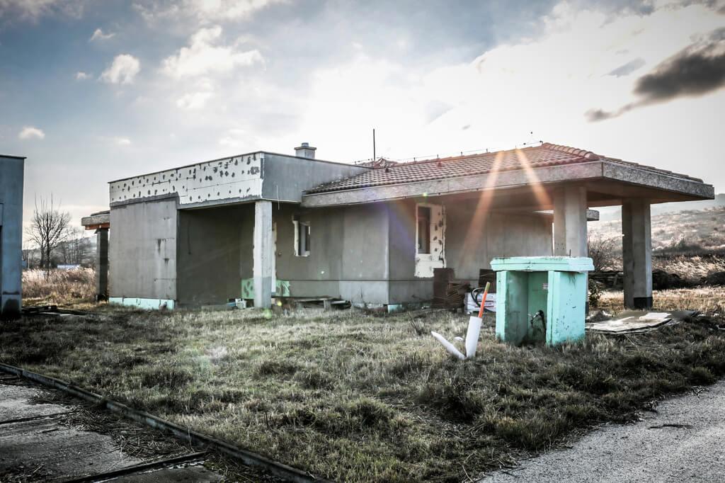 Predané: Rozostavaná luxusná vila na konci Limbachu-1
