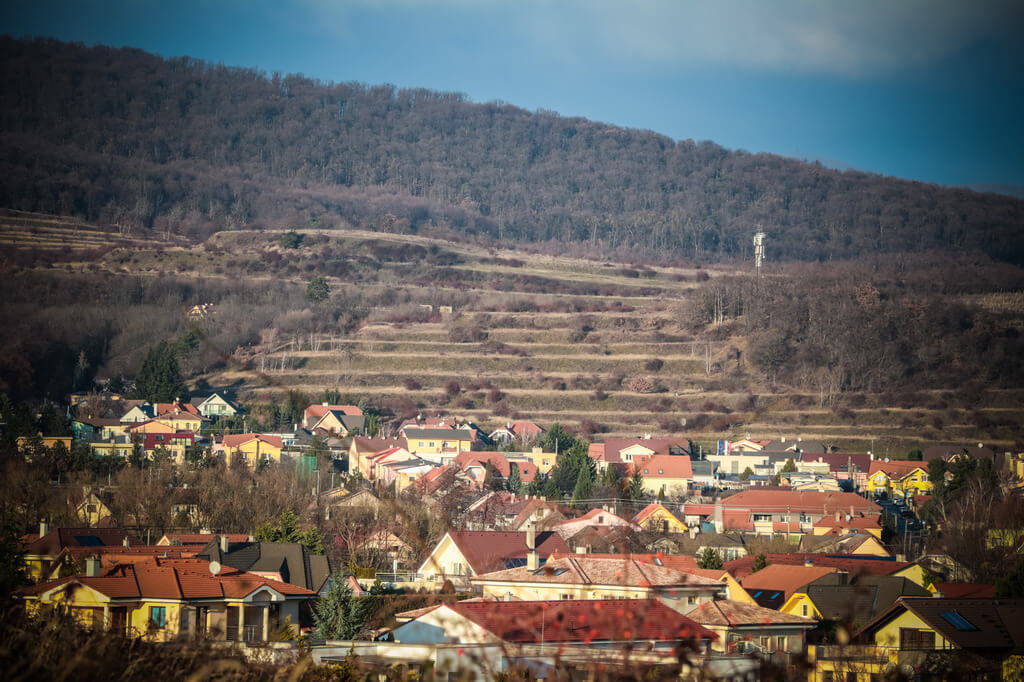 Predané: Rozostavaná luxusná vila na konci Limbachu-12