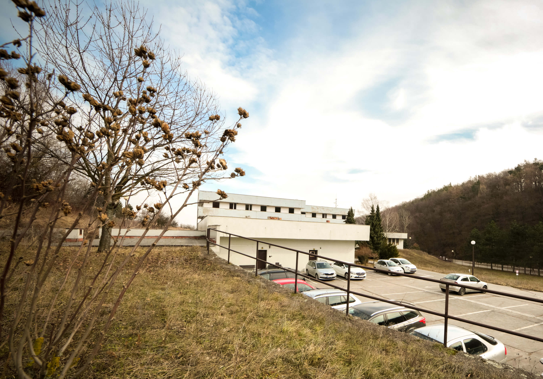 Predané: Zdravotnícke zariadenie, bývale sanatórium,komplex na predaj, Limbach, Potočná ulica, pozemky 21164m2, úžitkova spolu 3159m2-21