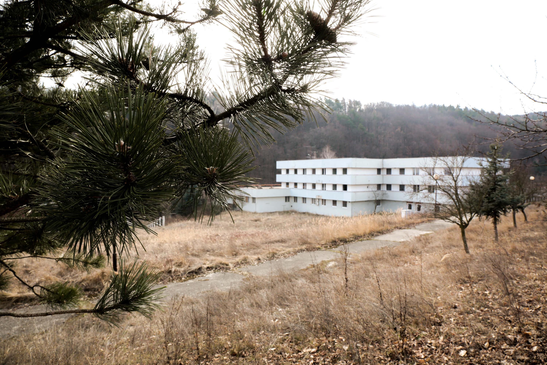 Predané: Zdravotnícke zariadenie, bývale sanatórium,komplex na predaj, Limbach, Potočná ulica, pozemky 21164m2, úžitkova spolu 3159m2-6