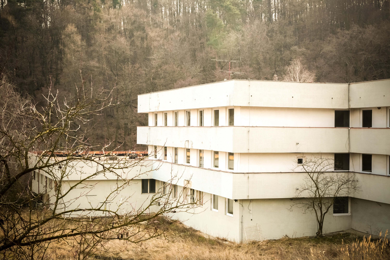Predané: Zdravotnícke zariadenie, bývale sanatórium,komplex na predaj, Limbach, Potočná ulica, pozemky 21164m2, úžitkova spolu 3159m2-5