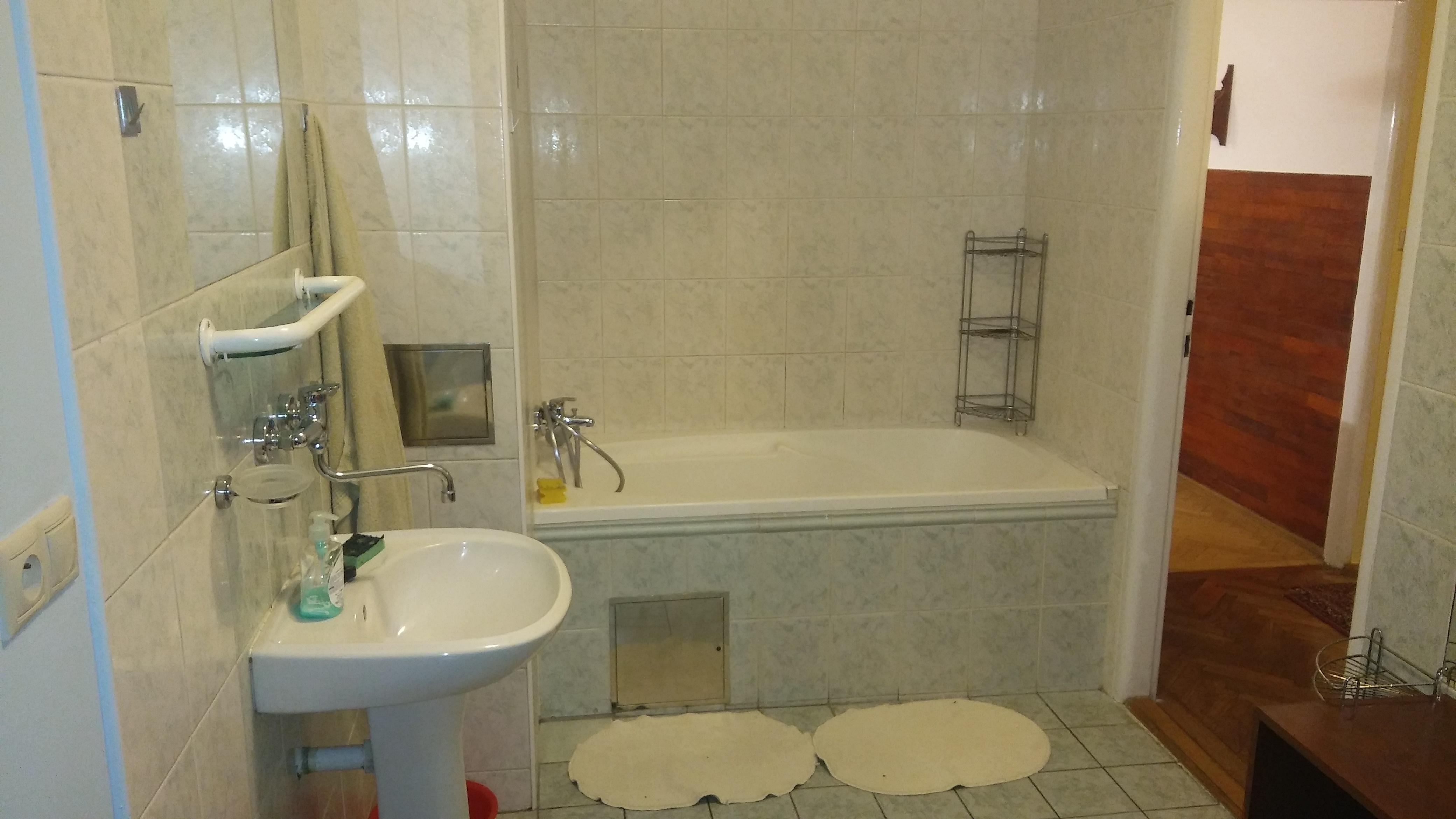 Prenajaté: Na prenájom exkluzívne 2 izb. byt, Staré mesto, Šancová ulica, Bratislava, 75m2, kompletne zariadený-17