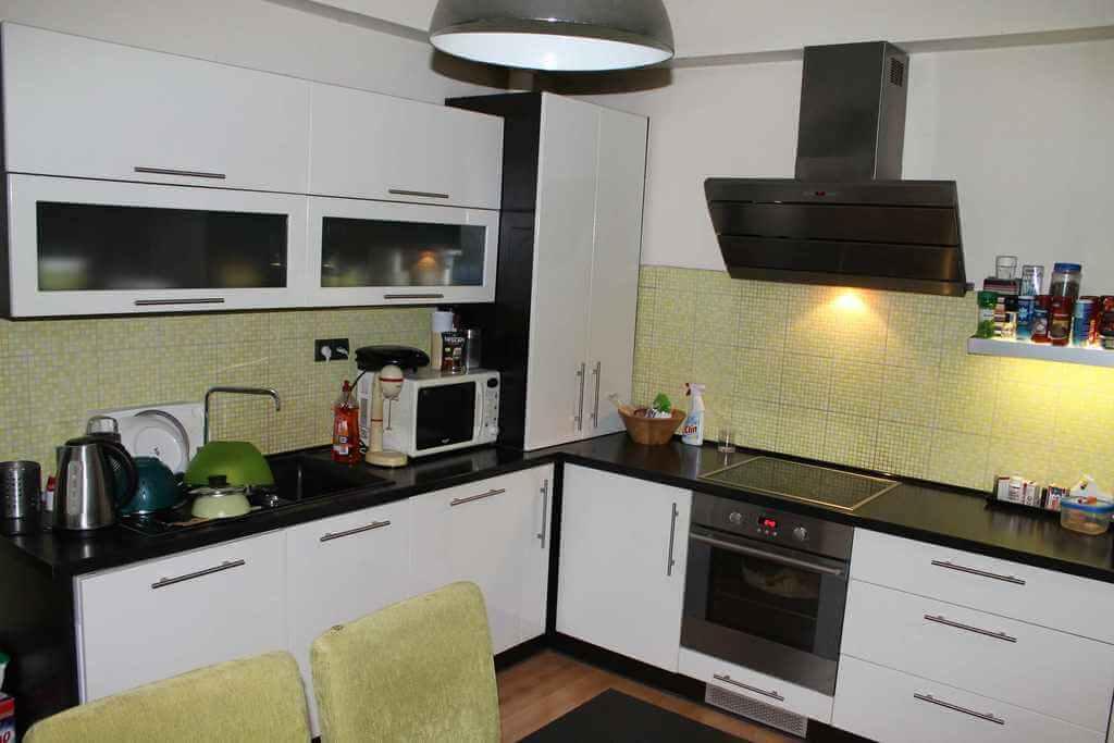 Predané Predaj exkluzívneho 3,5 izb. bytu,v centre, ulica Dostojevského rad v Bratislave, vedľa Jakubovho námestia, 94m2, kompletne zariadený-21