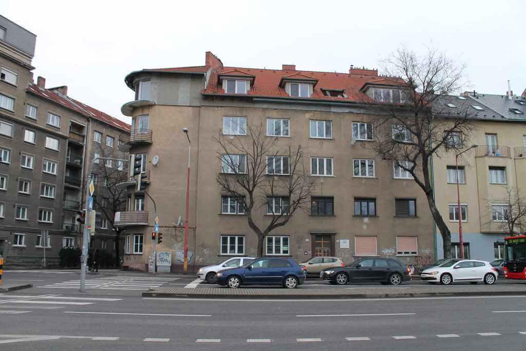 Predané Predaj exkluzívneho 3,5 izb. bytu,v centre, ulica Dostojevského rad v Bratislave, vedľa Jakubovho námestia, 94m2, kompletne zariadený-9