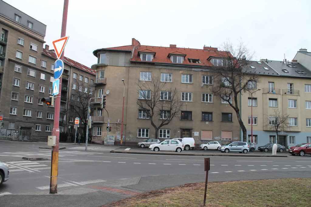 Predané Predaj exkluzívneho 3,5 izb. bytu,v centre, ulica Dostojevského rad v Bratislave, vedľa Jakubovho námestia, 94m2, kompletne zariadený-4