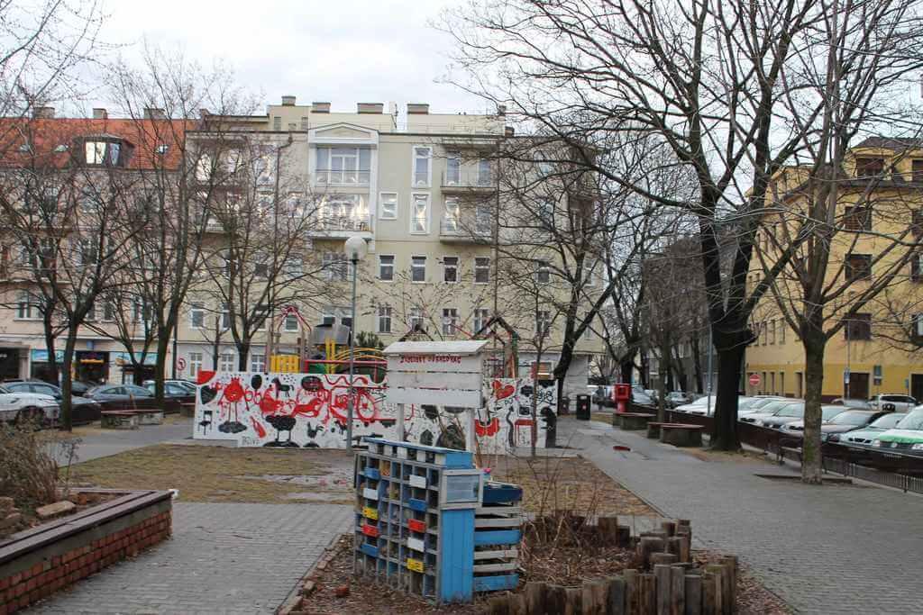 Predané Predaj exkluzívneho 3,5 izb. bytu,v centre, ulica Dostojevského rad v Bratislave, vedľa Jakubovho námestia, 94m2, kompletne zariadený-1