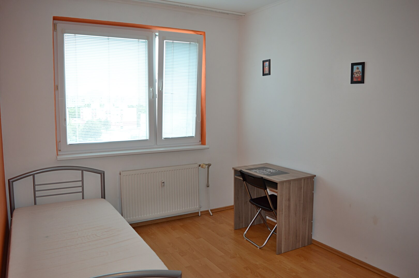 Predané-  zrekonštruovaný zariadený 4 izbový byt v príjemnej lokalite Petržalky na Holíčskej-6