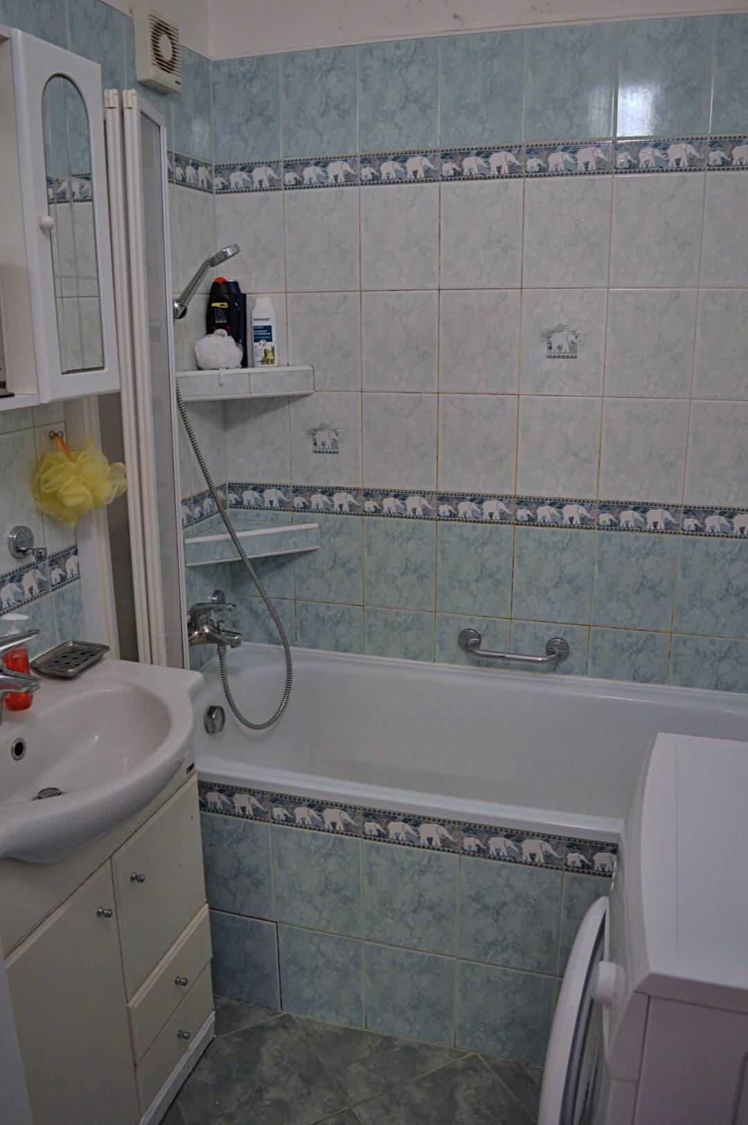 Predané-  zrekonštruovaný zariadený 4 izbový byt v príjemnej lokalite Petržalky na Holíčskej-11