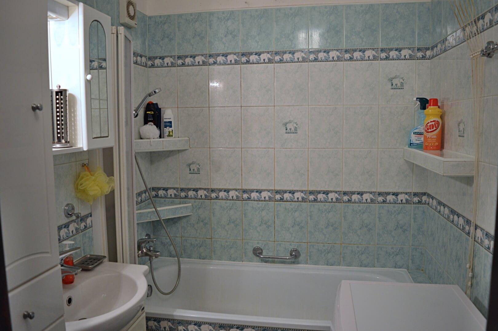 Predané-  zrekonštruovaný zariadený 4 izbový byt v príjemnej lokalite Petržalky na Holíčskej-10