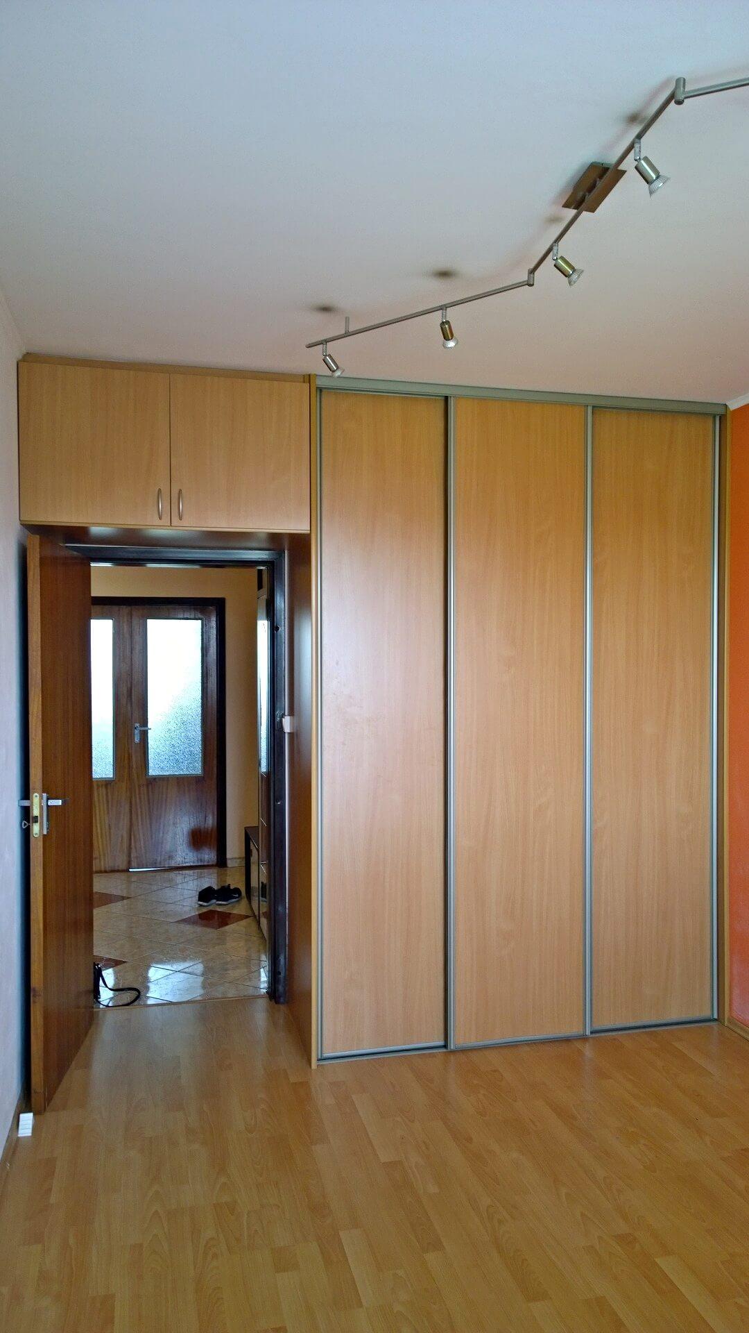 Predané-  zrekonštruovaný zariadený 4 izbový byt v príjemnej lokalite Petržalky na Holíčskej-8