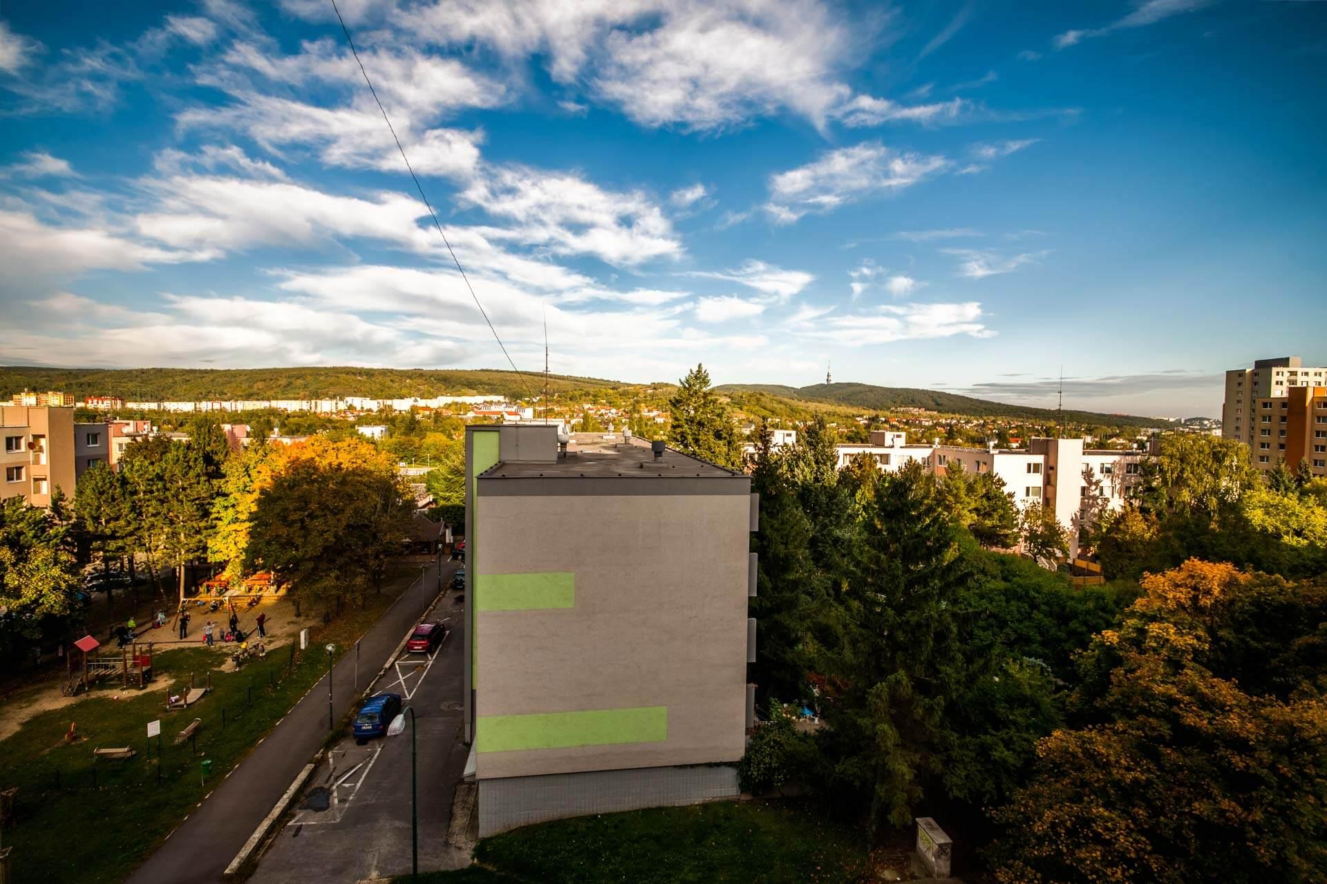 Predané – 4 izbový byt po čiastočnej rekonštrukcii s krásnym výhľadom 73m2 + 4m2 loggia-13