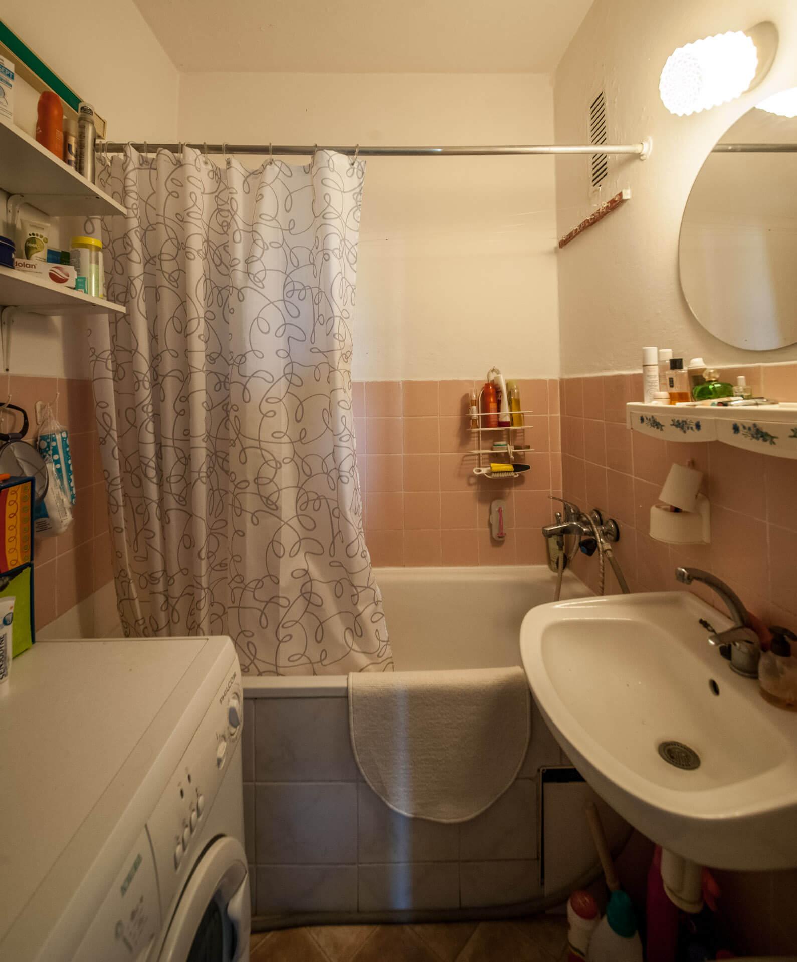 Predané – 4 izbový byt po čiastočnej rekonštrukcii s krásnym výhľadom 73m2 + 4m2 loggia-7