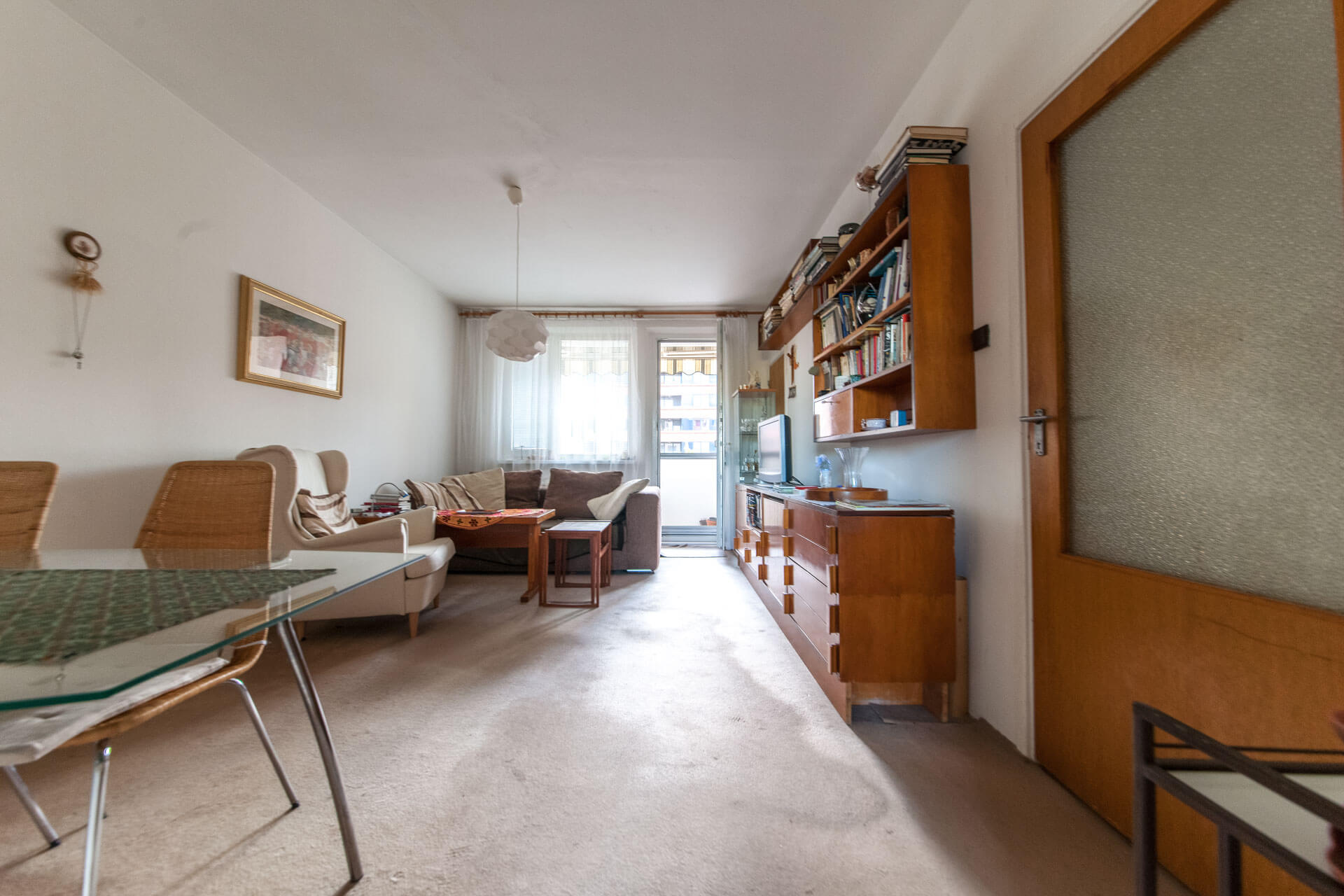 Predané – 4 izbový byt po čiastočnej rekonštrukcii s krásnym výhľadom 73m2 + 4m2 loggia-1