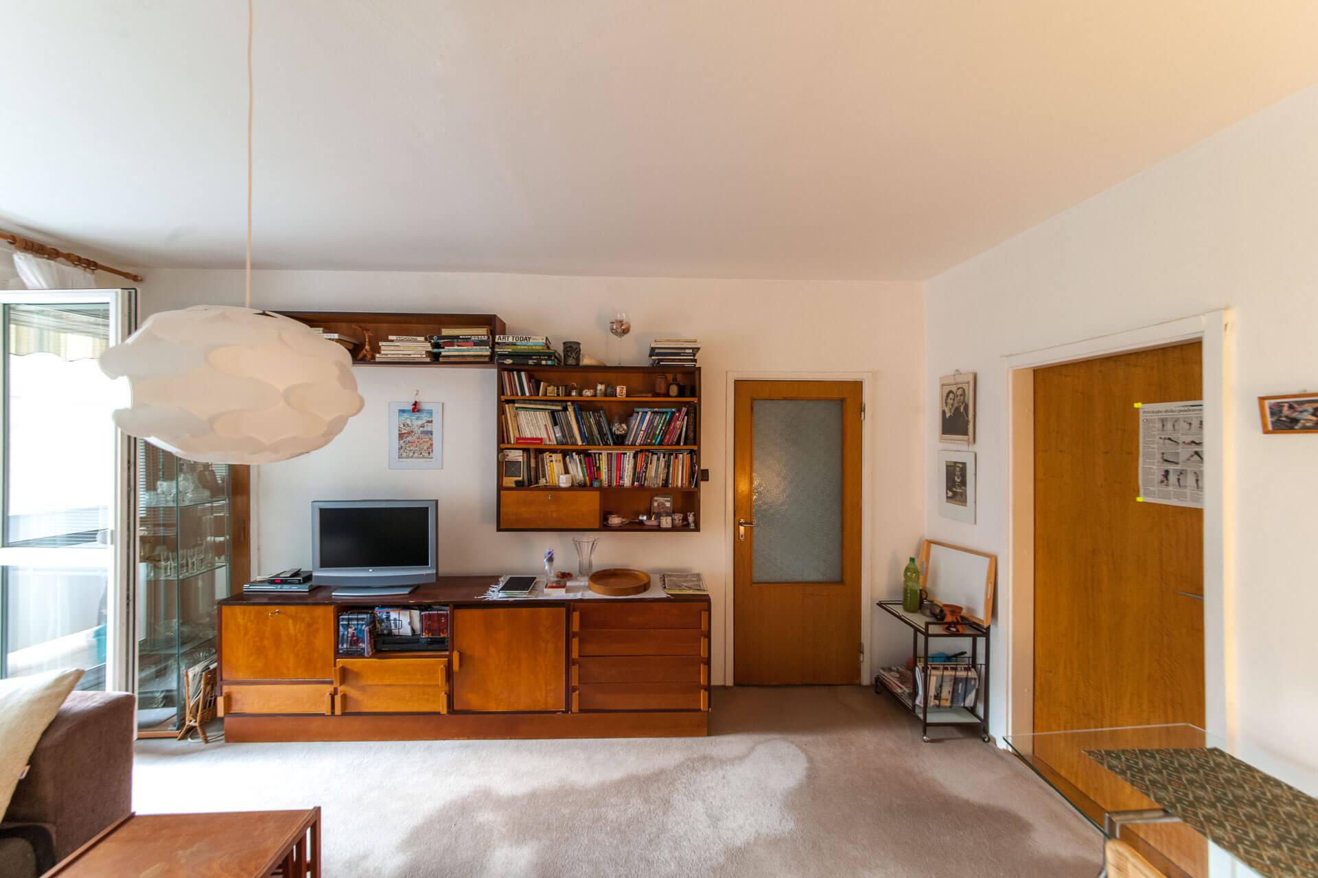 Predané – 4 izbový byt po čiastočnej rekonštrukcii s krásnym výhľadom 73m2 + 4m2 loggia-0