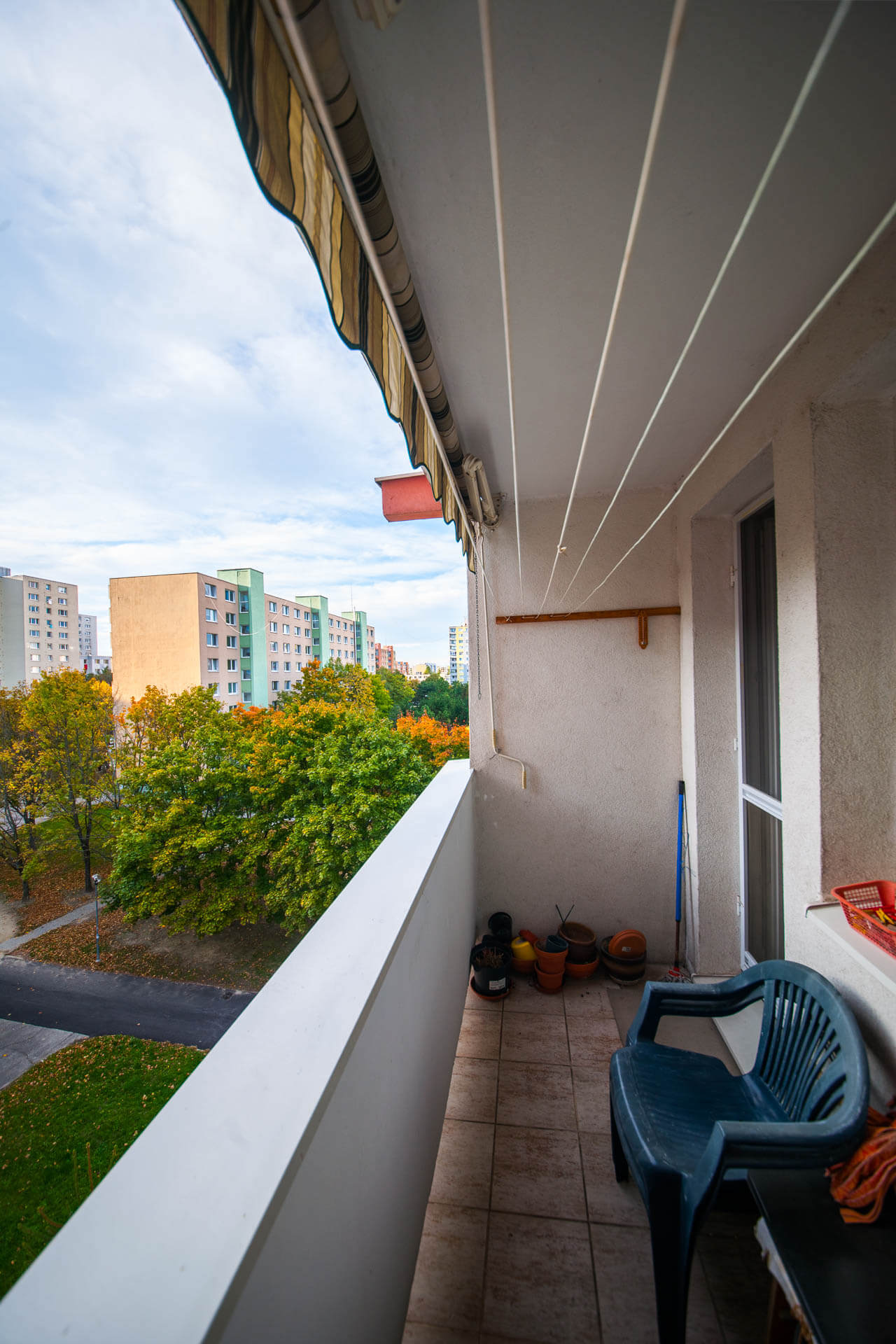 Predané – 4 izbový byt po čiastočnej rekonštrukcii s krásnym výhľadom 73m2 + 4m2 loggia-10