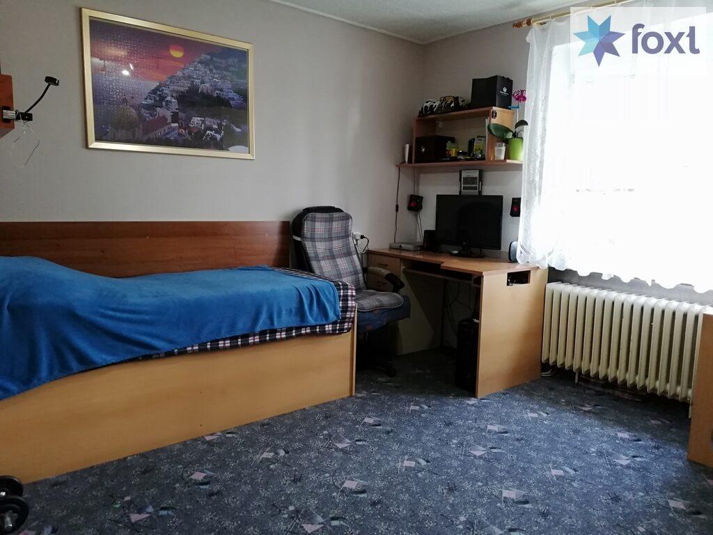 Predaný [Tehla] Veľký dvojizbový čiastočne zrekonštruovaný byt s vypracovaným znaleckým posudkom.-3