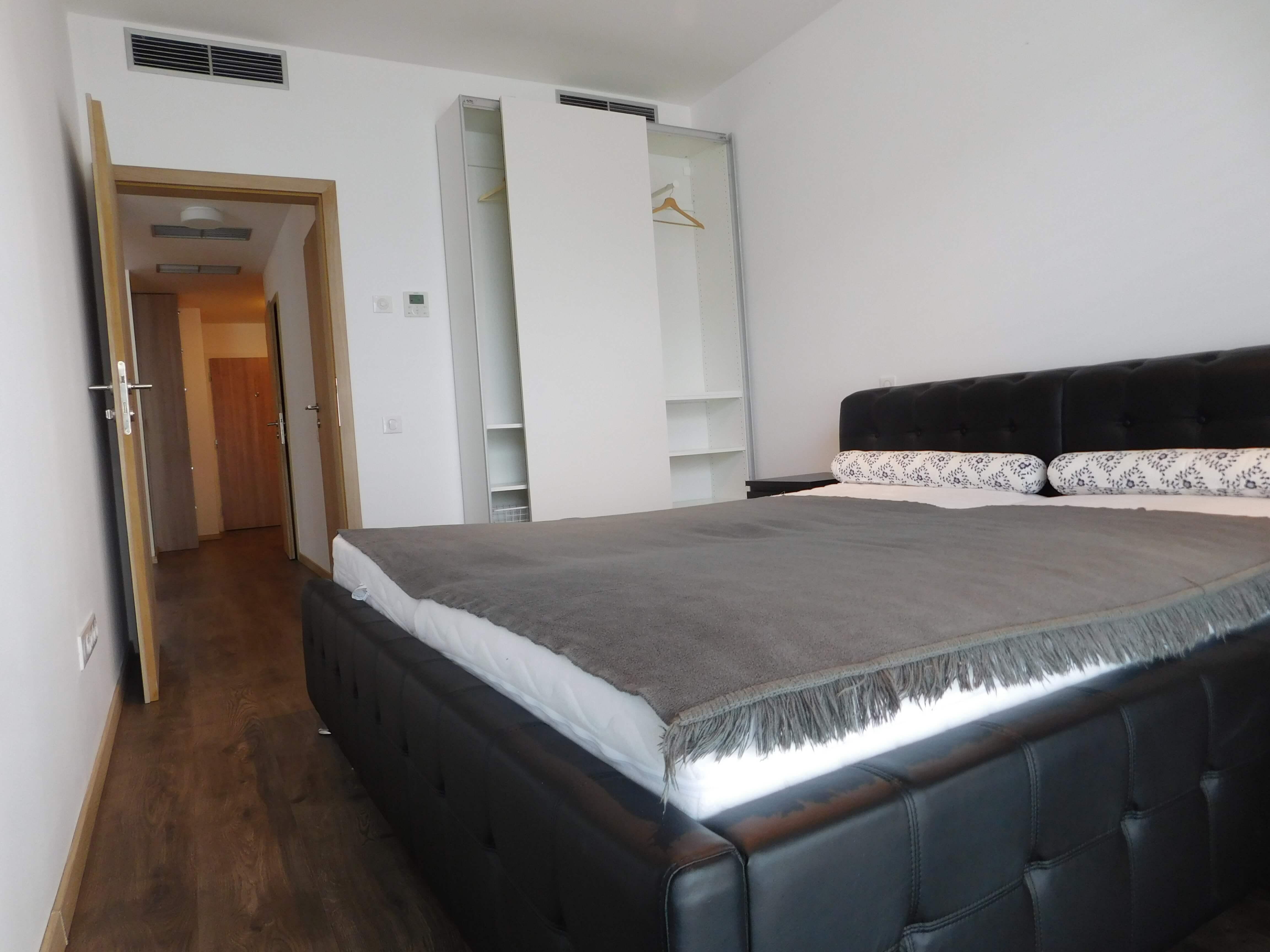 Prenajaté: Apartmán na prenájom v centre mesta – Rezidencia Grösslingova-8