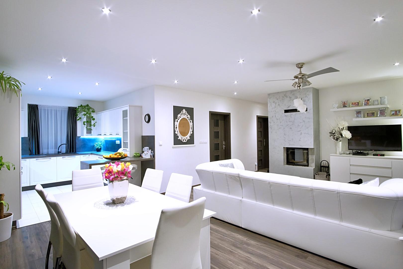 PREDANÉ – 4-izbový rodinný dom v Hrubej Borši-0