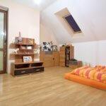 Predané: Na predaj 6-izbový rodinný dom vo vilovej štvrti v Hamuliakove, 15 km od Bratislavy-13