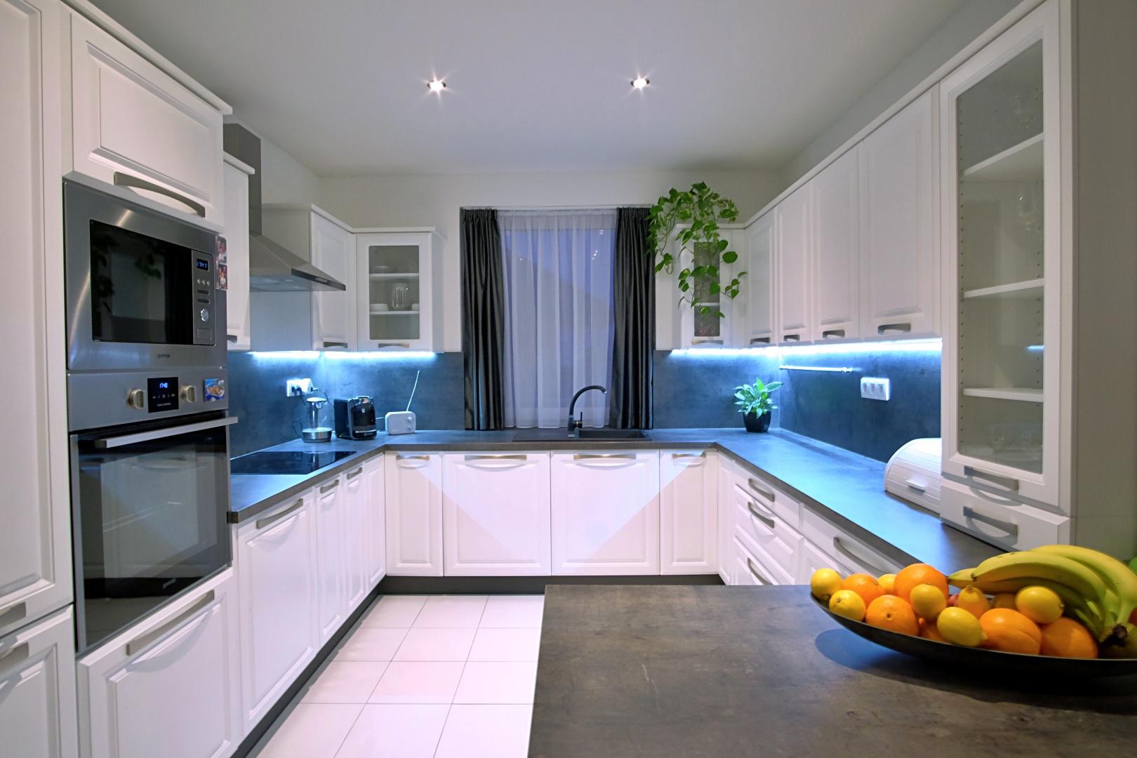 PREDANÉ – 4-izbový rodinný dom v Hrubej Borši-1