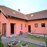 Predané: Na predaj 6-izbový rodinný dom vo vilovej štvrti v Hamuliakove, 15 km od Bratislavy-2
