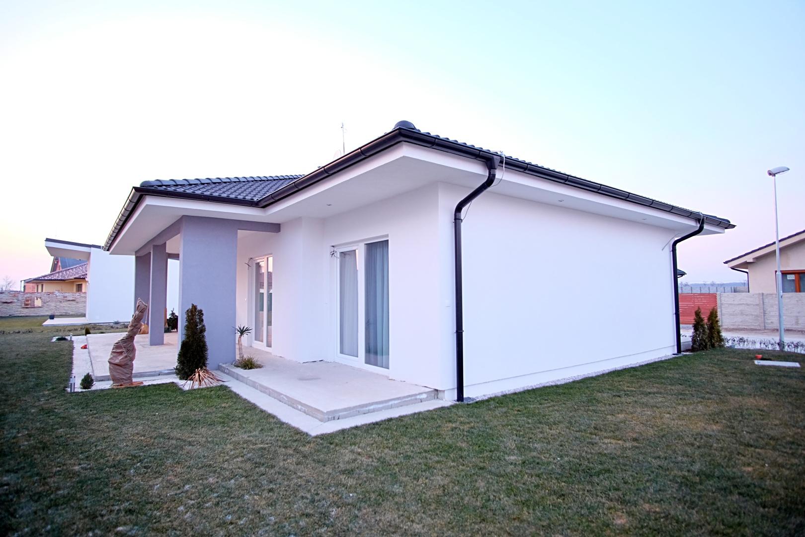 PREDANÉ – 4-izbový rodinný dom v Hrubej Borši-6
