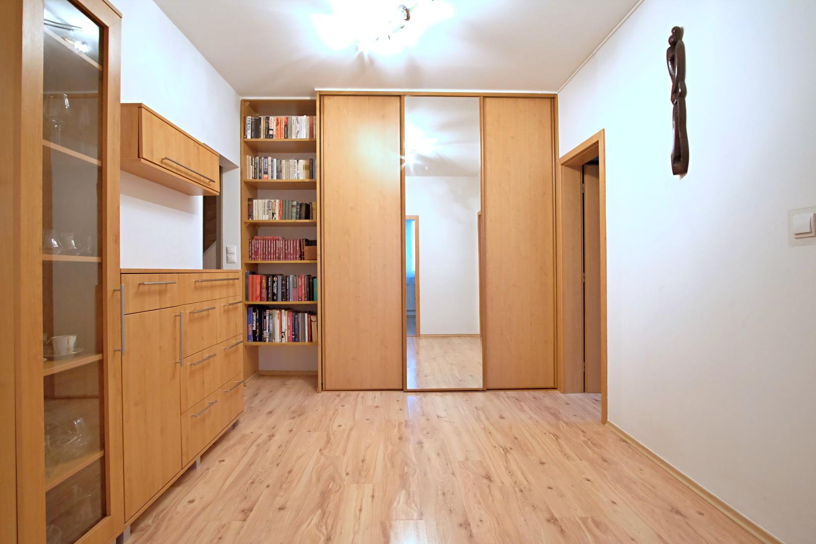Predané – 3 izbový byt na Budatínskej ulici-6