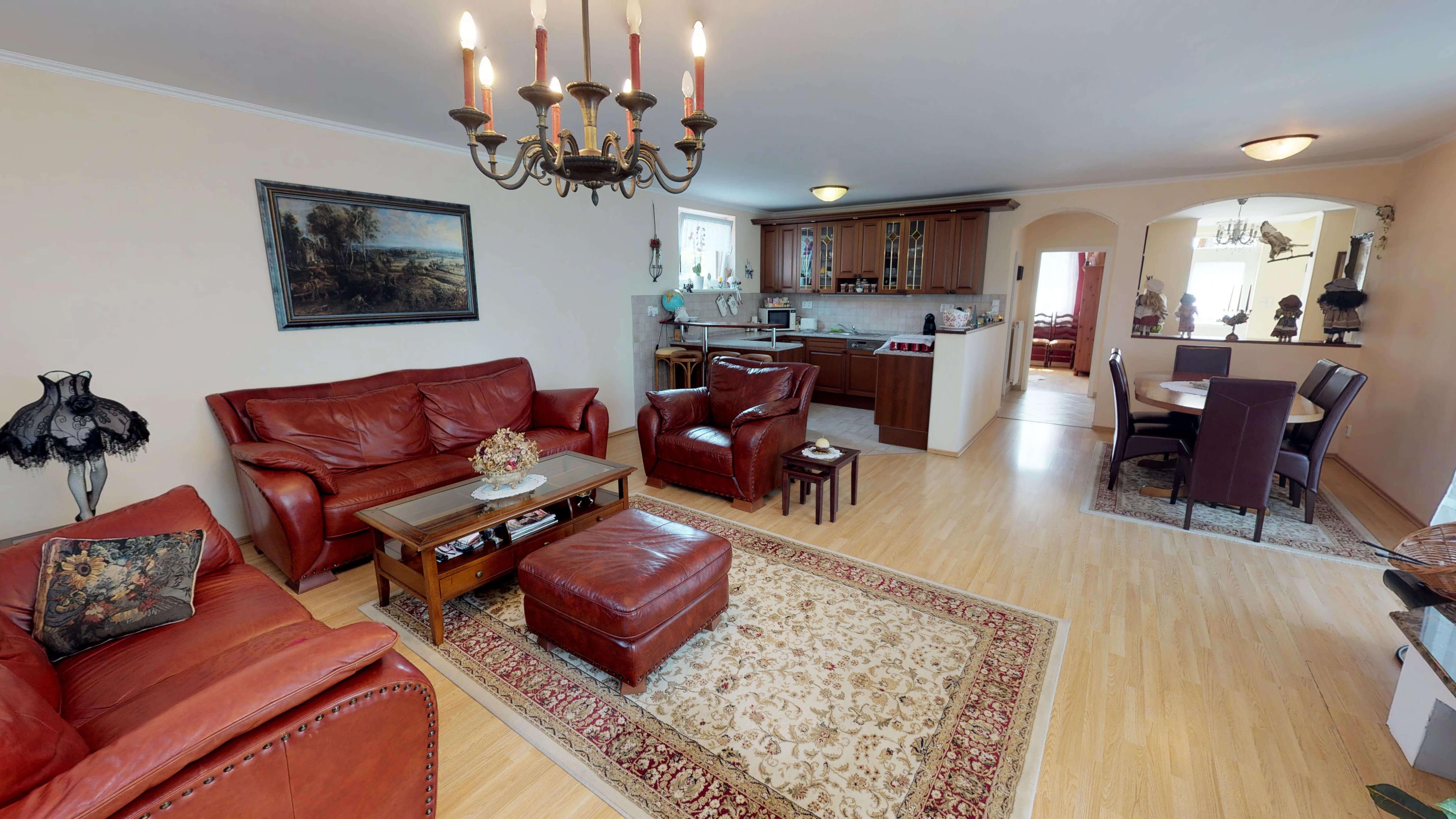 Rodinný dom na uzavretej ulici, Vojtechovce, 2 – generačný 6 izbový, úžitková 270m2, pozemok 600m2, garáž-2