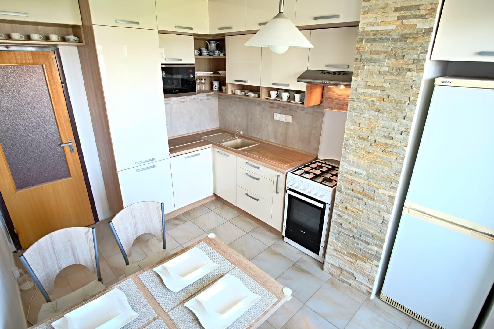 PREDANÉ – Na predaj príjemný 4 izbový byt v lokalite plnej zelene na Vyšehradskej ulici Bratislava- Petržalka.-13