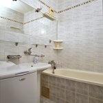 PREDANÉ – Na predaj zariadený 4 izbový byt po čiastočnej rekonštrukcii Bratislava- Petržalka.-12