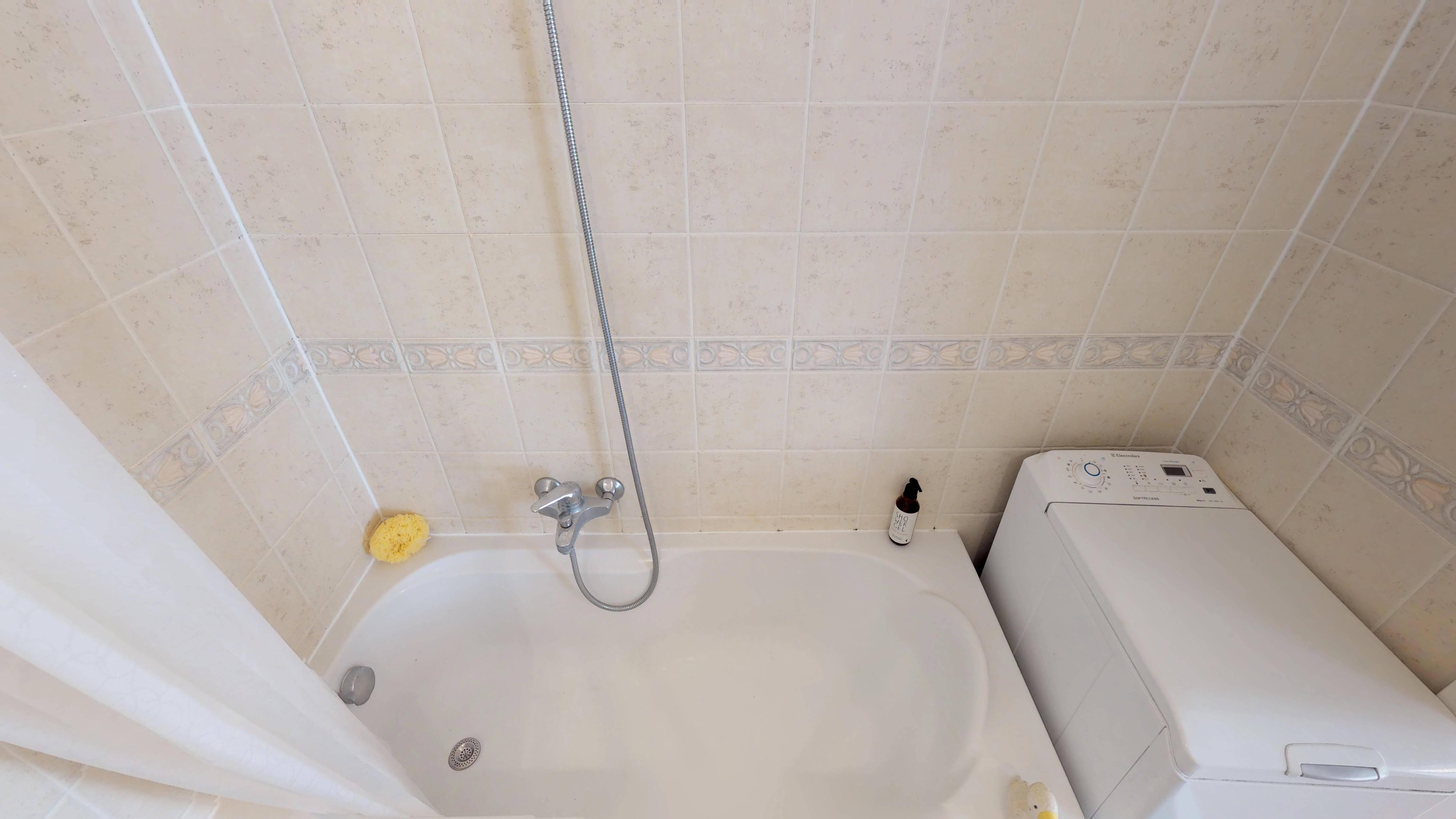 Predané Predaj exkluzívneho 3 izb. bytu,v Ružinove, ulica Palkovičová, blízko Trhoviska Miletičky v Bratislave, 68m2, kompletne zariadený-29
