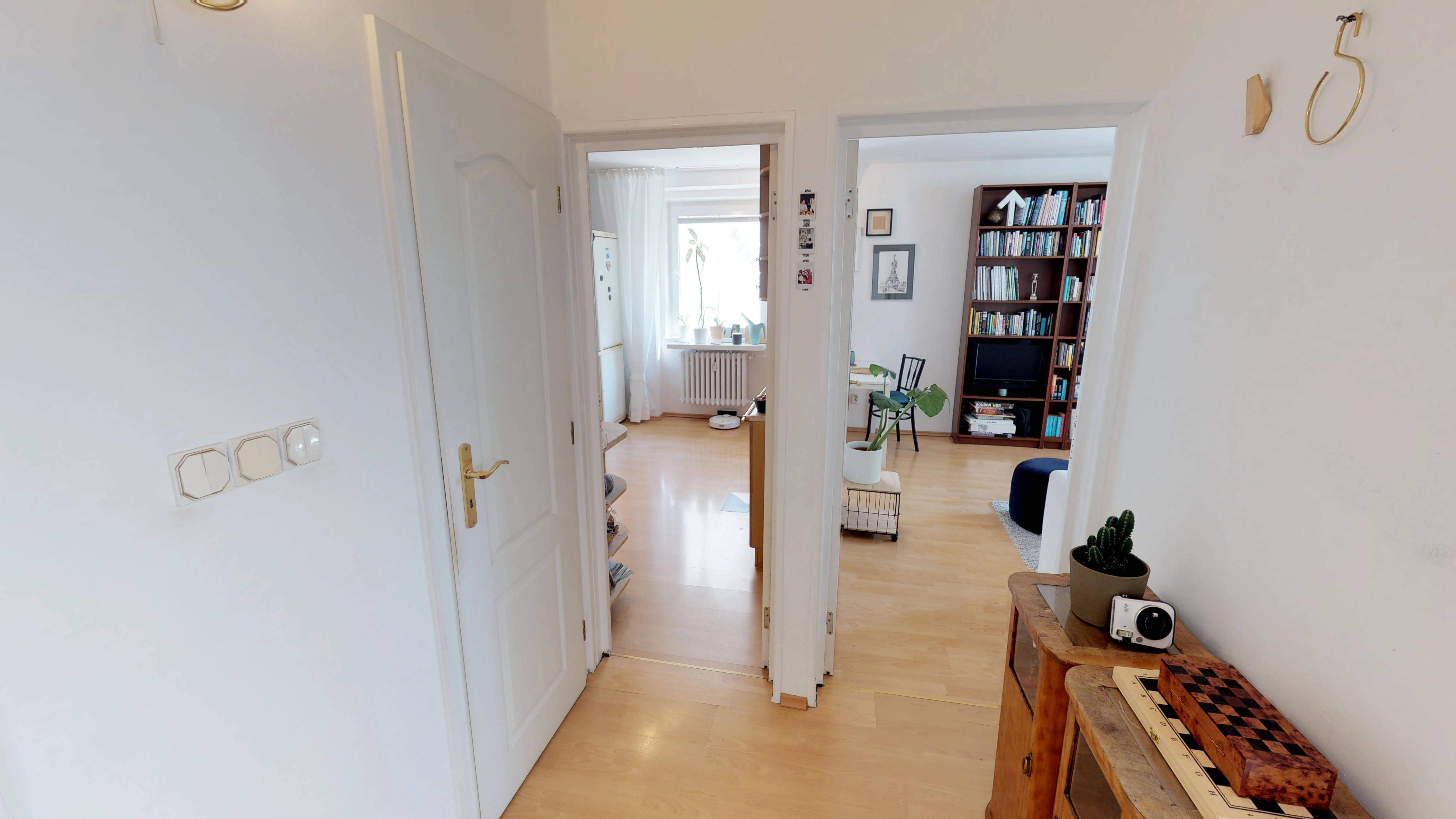 Predané Predaj exkluzívneho 3 izb. bytu,v Ružinove, ulica Palkovičová, blízko Trhoviska Miletičky v Bratislave, 68m2, kompletne zariadený-24