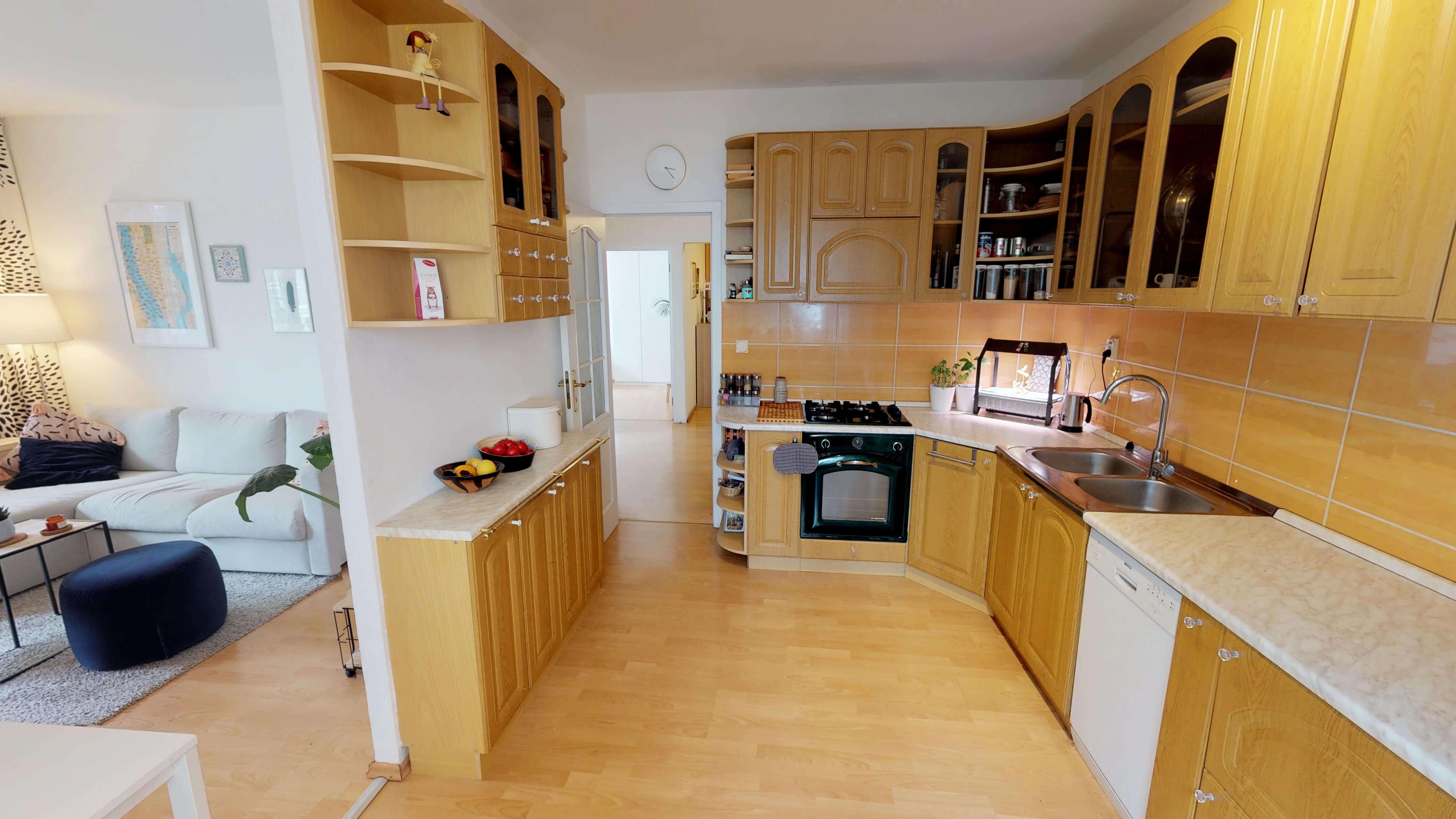 Predané Predaj exkluzívneho 3 izb. bytu,v Ružinove, ulica Palkovičová, blízko Trhoviska Miletičky v Bratislave, 68m2, kompletne zariadený-1