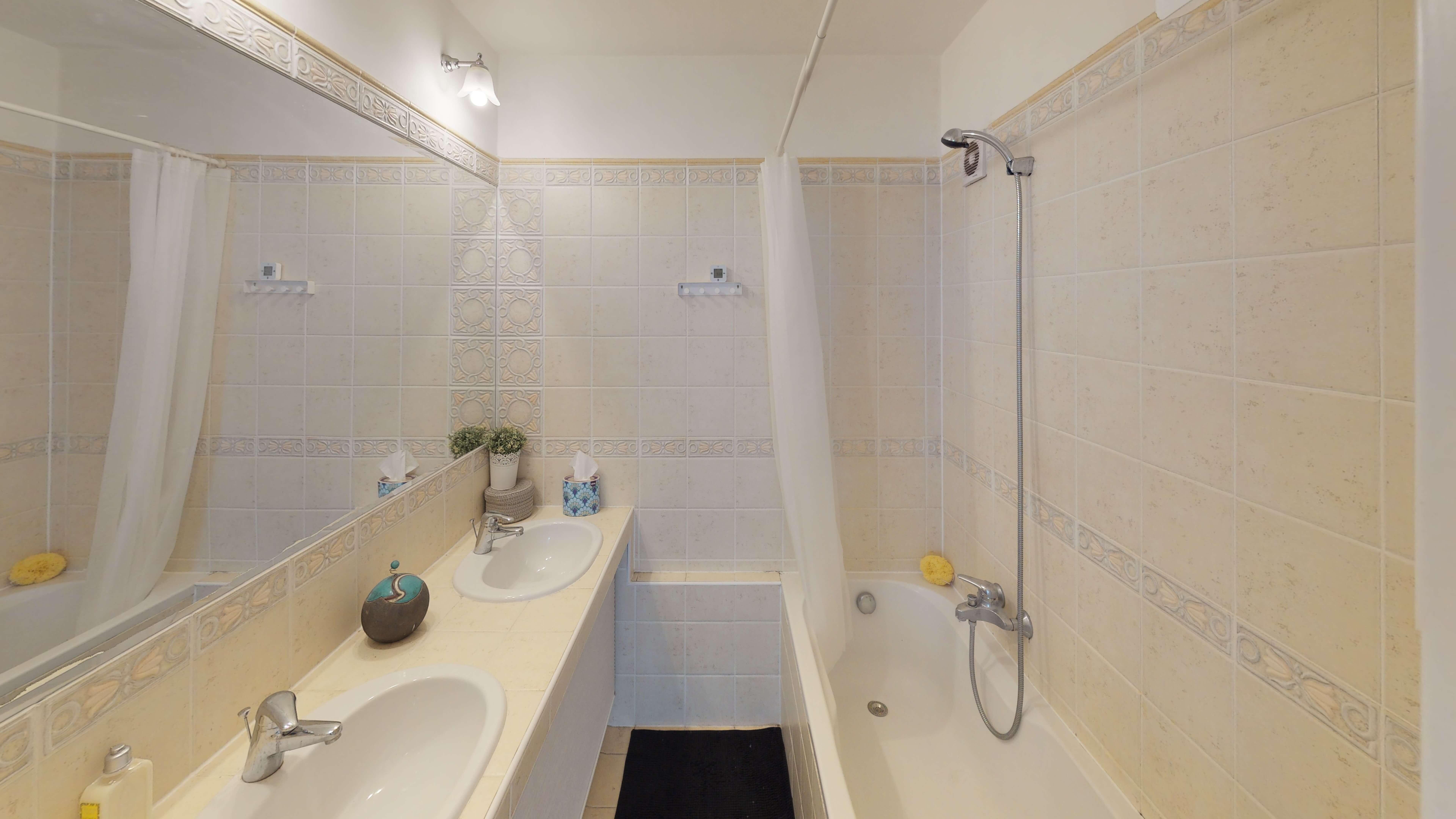 Predané Predaj exkluzívneho 3 izb. bytu,v Ružinove, ulica Palkovičová, blízko Trhoviska Miletičky v Bratislave, 68m2, kompletne zariadený-13