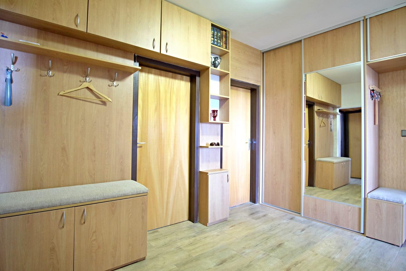 PREDANÉ – Na predaj príjemný 4 izbový byt v lokalite plnej zelene na Vyšehradskej ulici Bratislava- Petržalka.-9