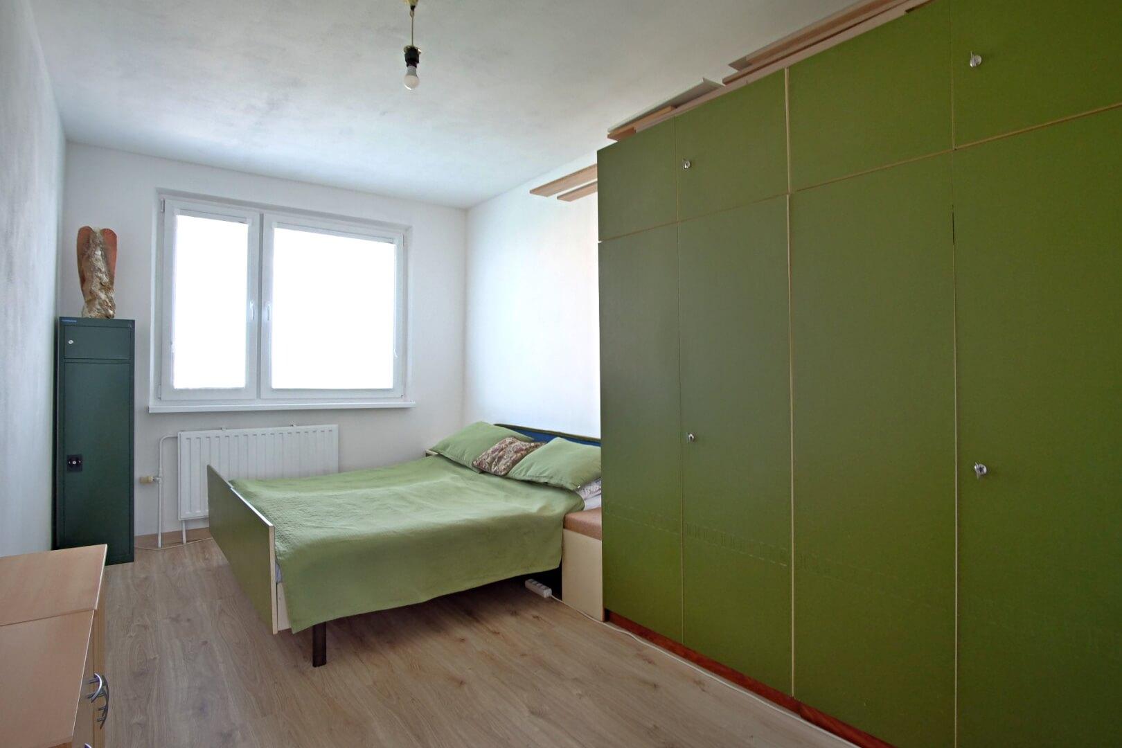 PREDANÉ – Na predaj príjemný 4 izbový byt v lokalite plnej zelene na Vyšehradskej ulici Bratislava- Petržalka.-7