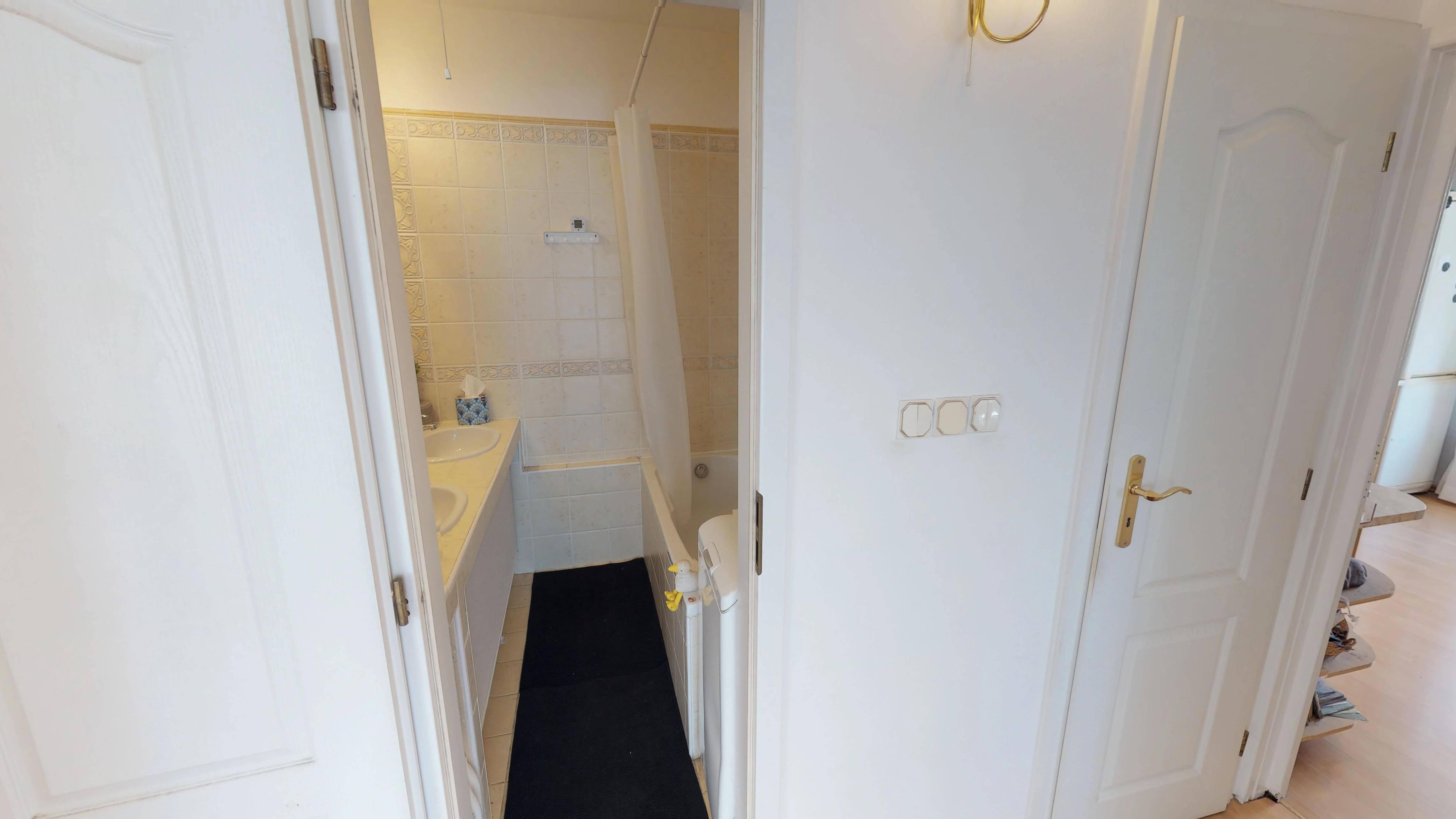 Predané Predaj exkluzívneho 3 izb. bytu,v Ružinove, ulica Palkovičová, blízko Trhoviska Miletičky v Bratislave, 68m2, kompletne zariadený-34