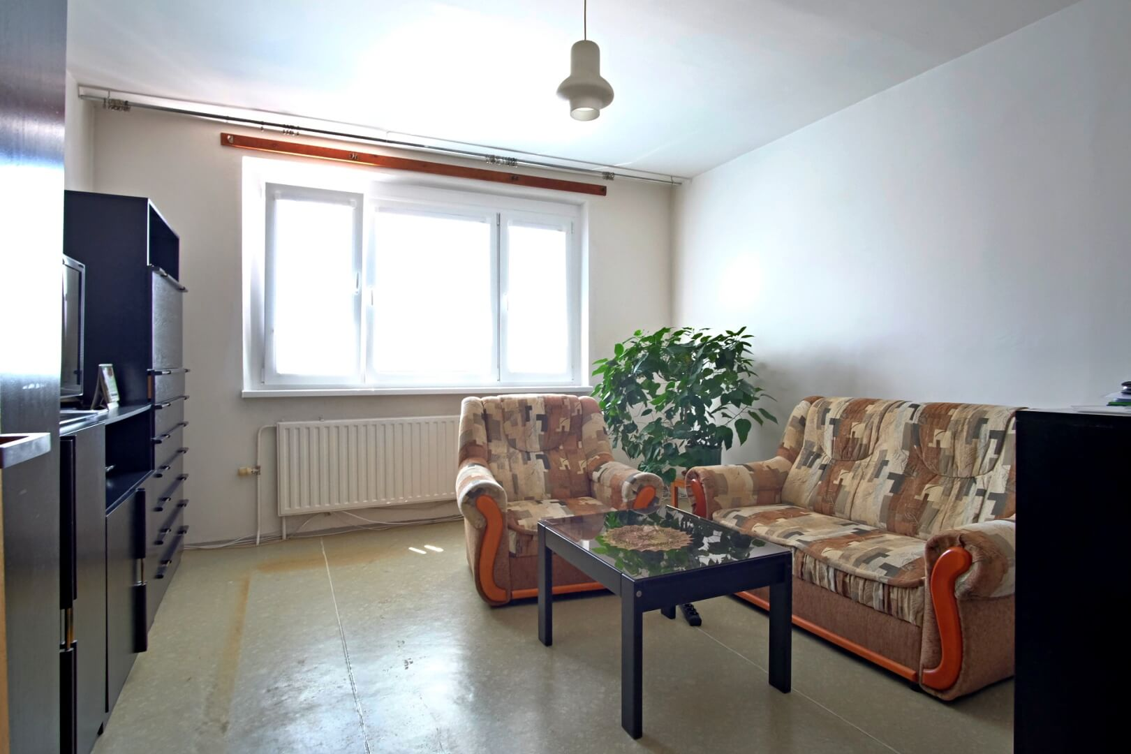 PREDANÉ – Na predaj príjemný 4 izbový byt v lokalite plnej zelene na Vyšehradskej ulici Bratislava- Petržalka.-6