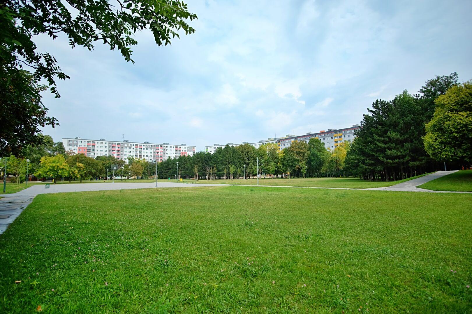 Predané: Na predaj 4 izbový byt v4-poschodovom bytovom dome svýťahom ulica Vyšehradská, Bratislava.-16