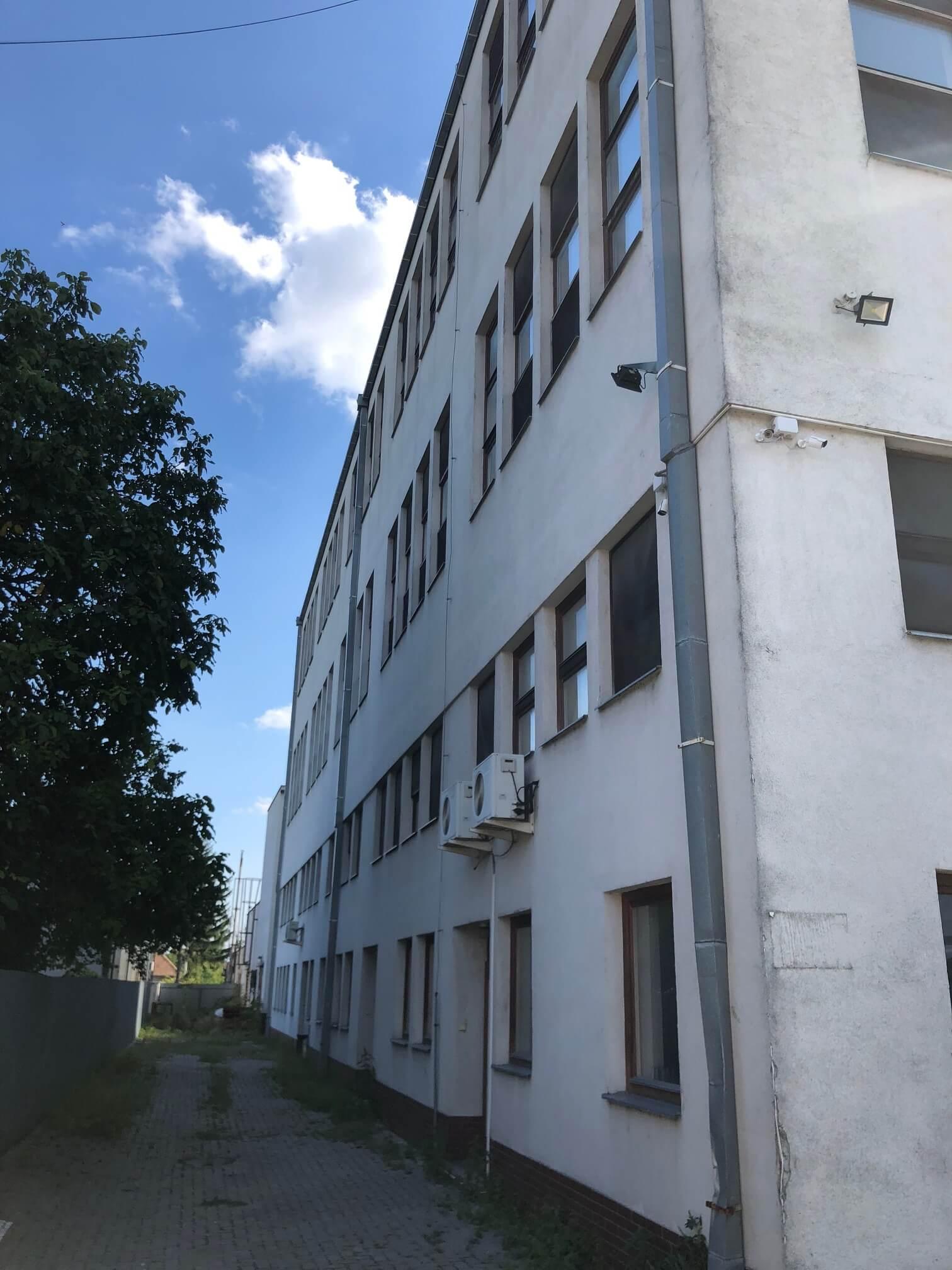 Na prenájom Budova skladov a výrobne v Dunajskej Strede, Drevárska, pozemok 2272m2, spolu 4 podlažia 4767m2-22