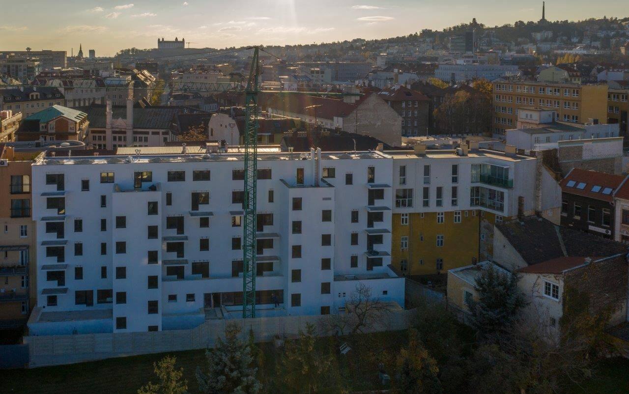 Predané: Novostavba posledný 1 izbový byt, širšie centrum v Bratislave, Beskydská ulica, 44,87m2, štandard, terasa 40m2-4