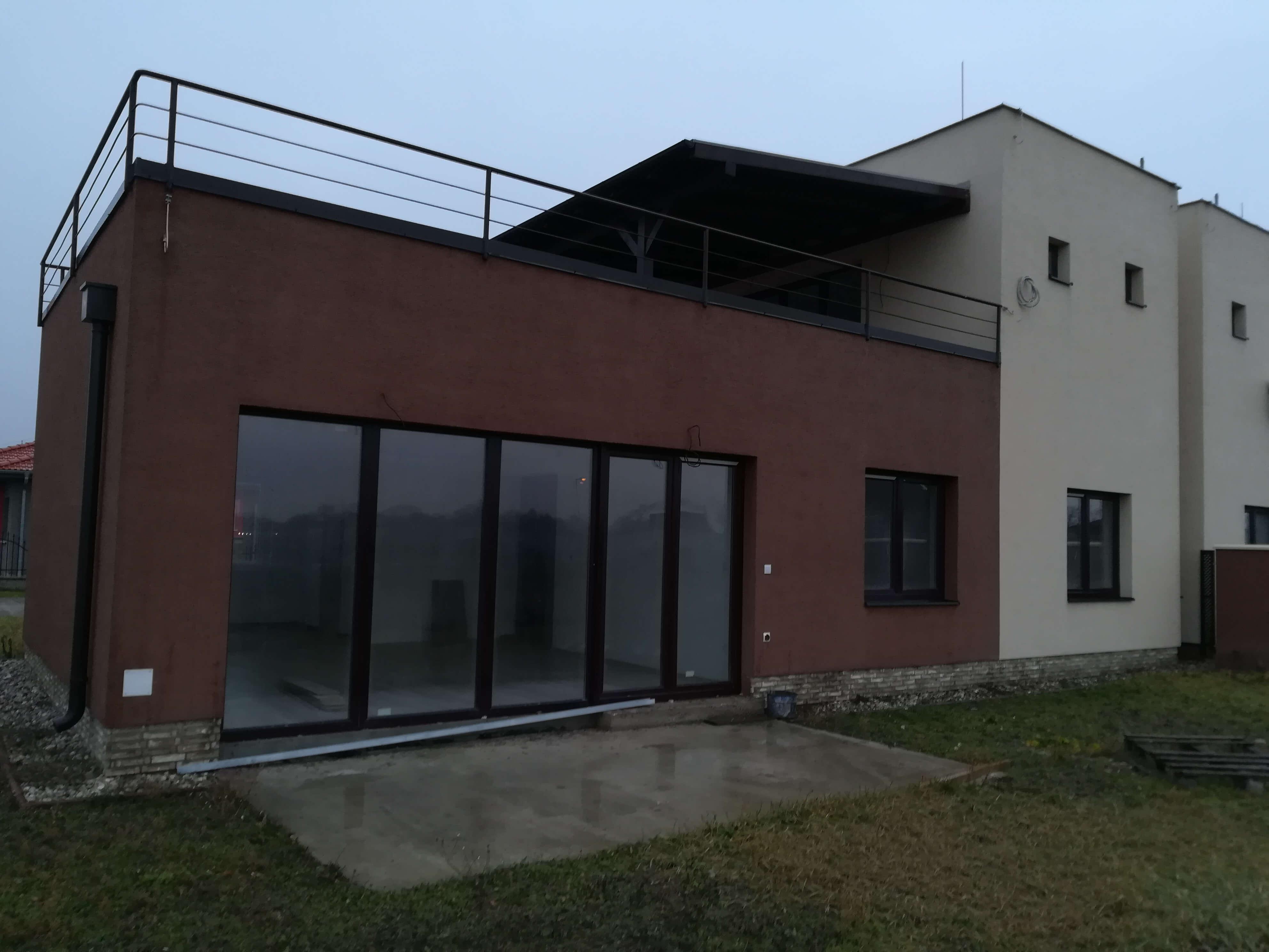 Predané: NOVOSTAVBA s terasou NA KĽÚČ + POZEMOK len 25km od Bratislavy-0