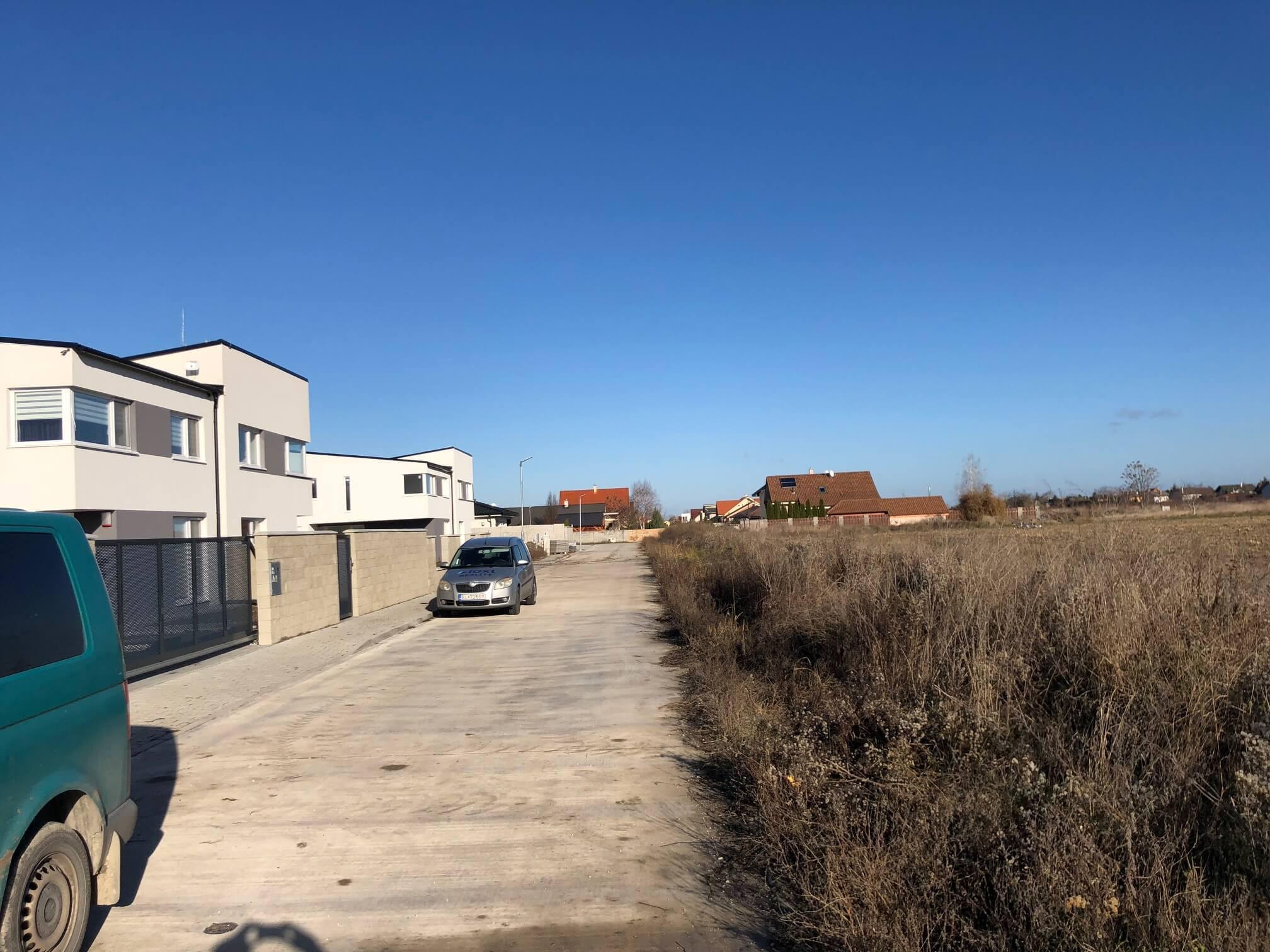 Predané: RD s 2 bytovými jednotkami, Novostavba v Dunajskej Lužnej, 2X: 4 izbový,pozemok 422m2,úžitkova 106m2-20