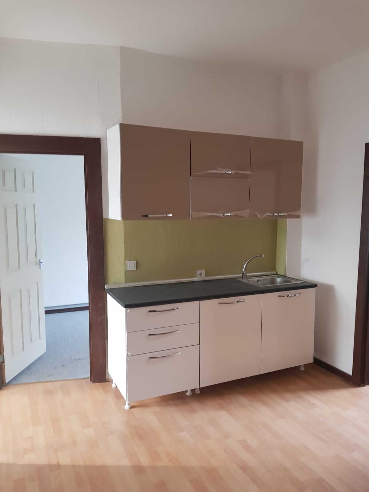 Predané: Kompletne zrekonštruovaný bytový dom, v Nemecku, na investíciu s nájomcami-11