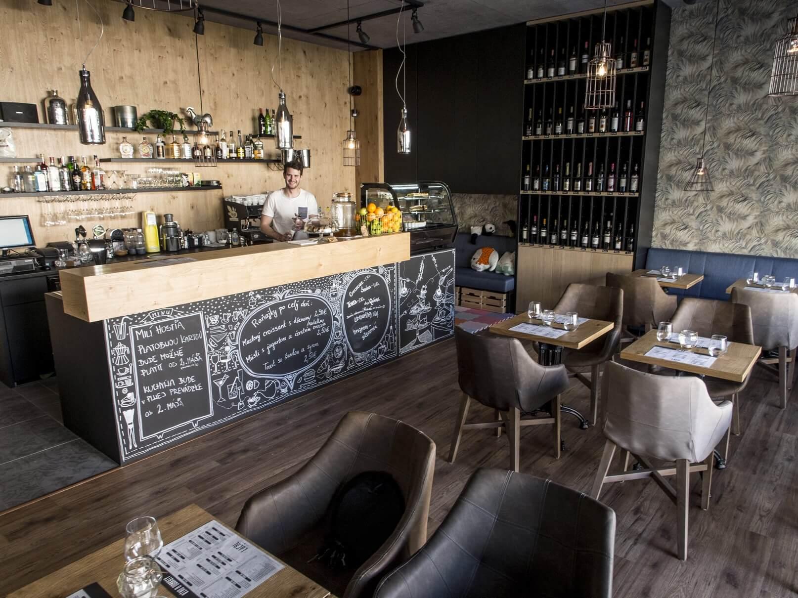 Predane: Obchodný priestor na gastro (kaviareň/bistro) v Slnečniciach, zóna Viladomy v Petržalke v Bratislave-1