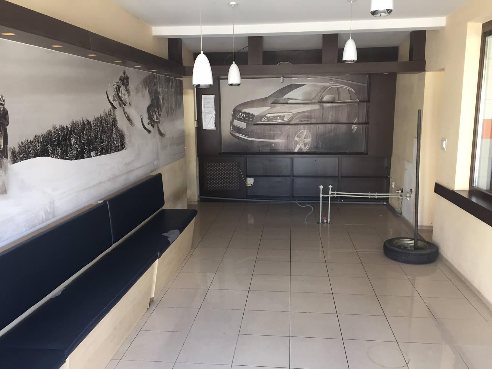 Predané: Predaj obchodného priestoru, najlepšie pre Autoservis, Pezinok, Ulica Mýtna/Šenkvická cesta. 240 m2-28
