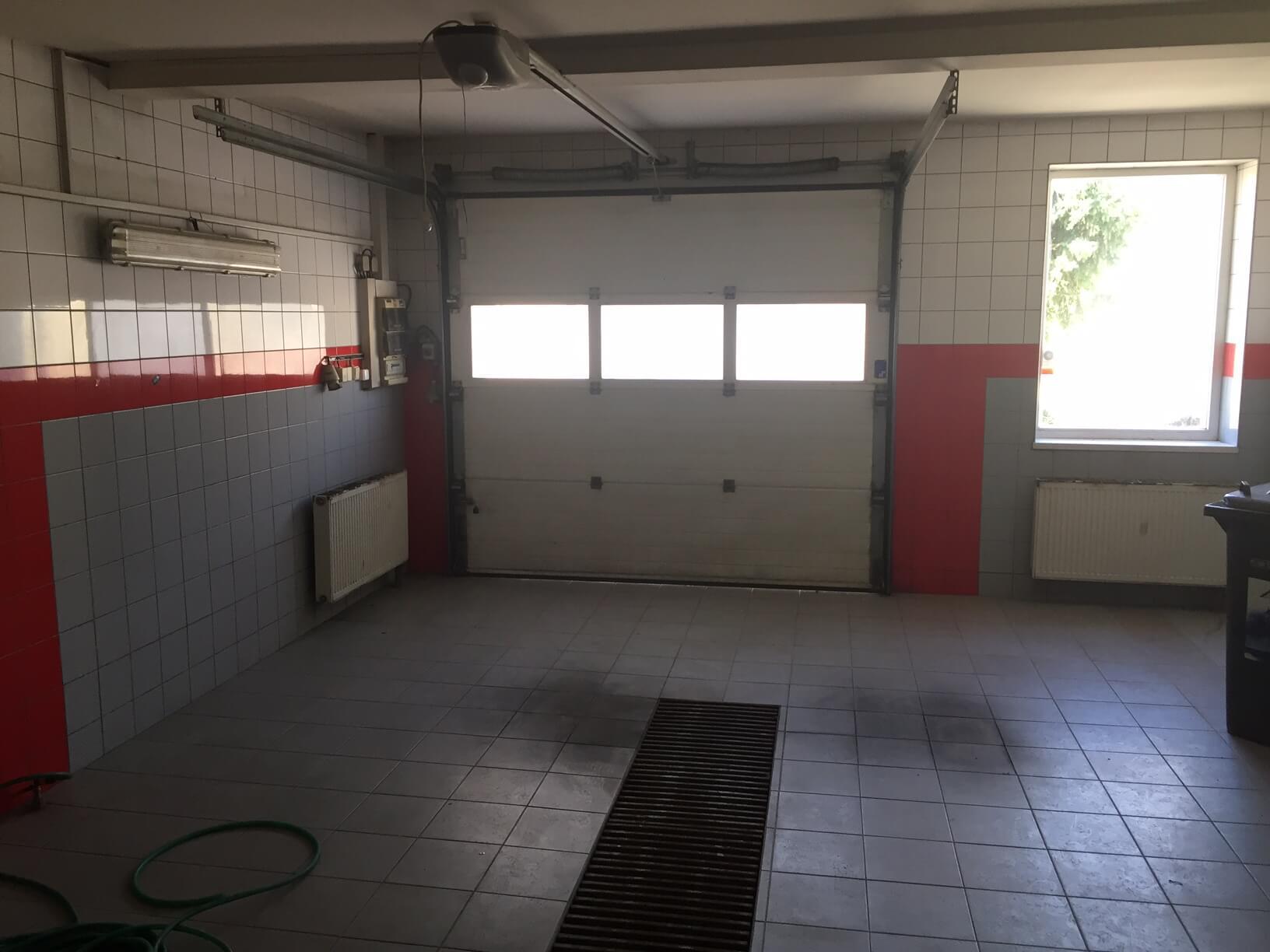 Predané: Predaj obchodného priestoru, najlepšie pre Autoservis, Pezinok, Ulica Mýtna/Šenkvická cesta. 240 m2-25